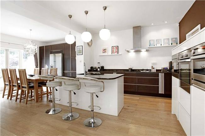 Offers in excess of £1,250,000, 4 Bedroom For Sale in Blackheath, SE3