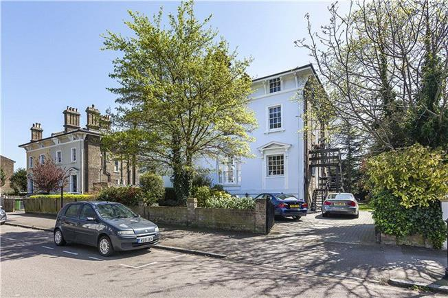 Asking Price £695,000, 3 Bedroom Flat For Sale in London, SE13