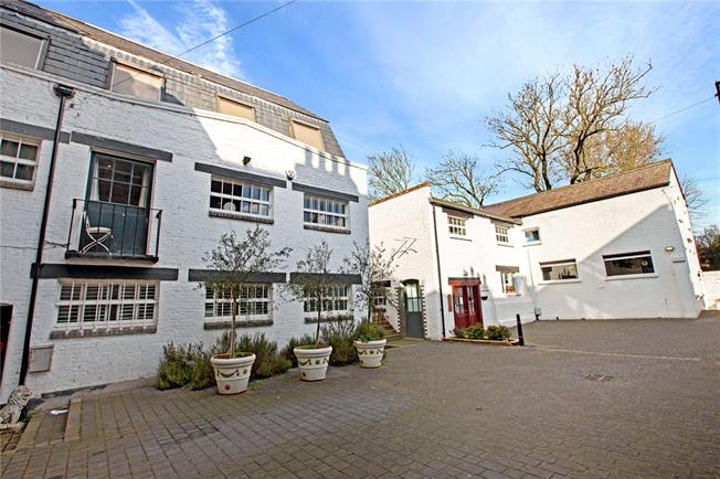 Asking Price £1,325,000, 4 Bedroom House For Sale in London, SE3