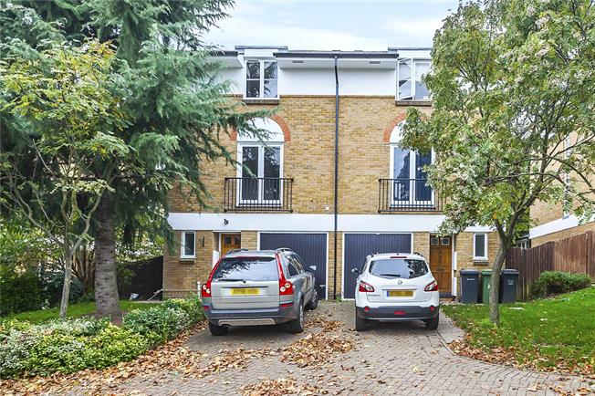 Asking Price £800,000, 4 Bedroom Semi Detached House For Sale in London, SE3