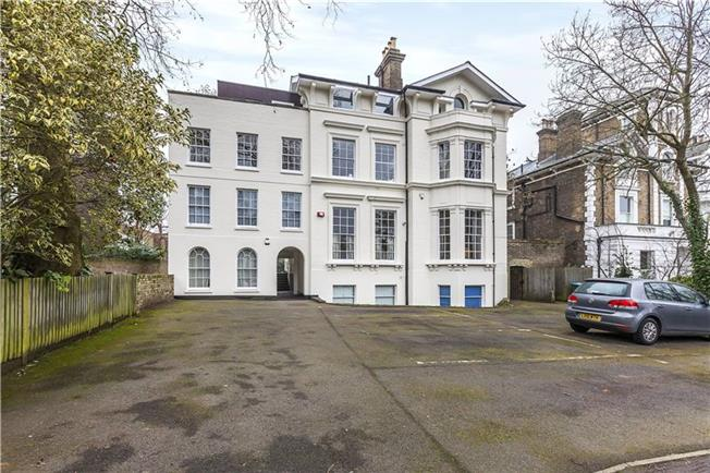 Asking Price £599,999, 2 Bedroom Flat For Sale in London, SE3