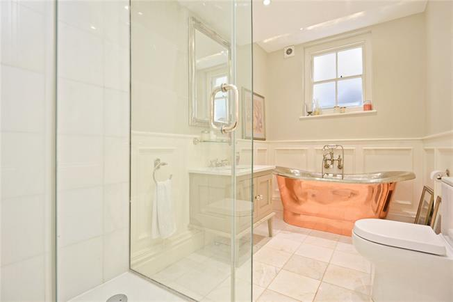 Offers in excess of £800,000, 2 Bedroom Flat For Sale in London, SE3