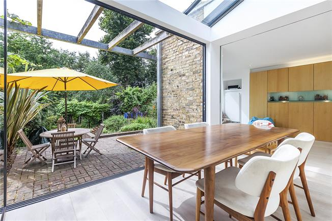 Asking Price £1,895,000, 5 Bedroom House For Sale in London, SE13
