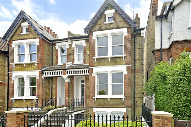 Asking Price £1,225,000, 4 Bedroom House For Sale in London, SE3