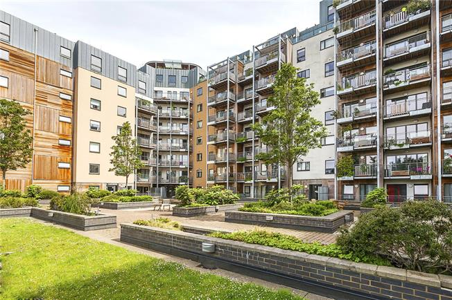 Asking Price £535,000, 2 Bedroom Flat For Sale in London, SE3