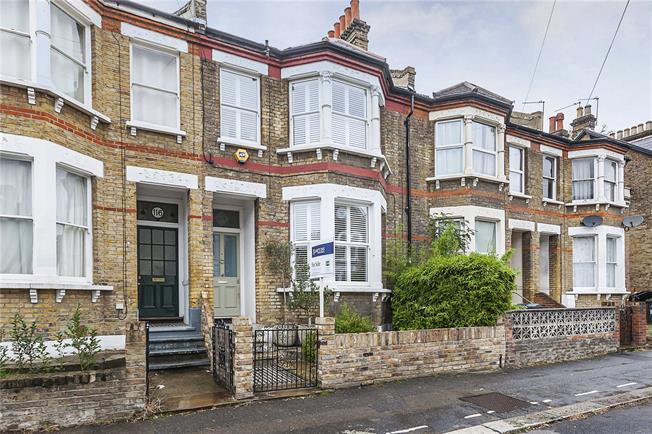 Offers in excess of £900,000, 4 Bedroom House For Sale in London, SE13
