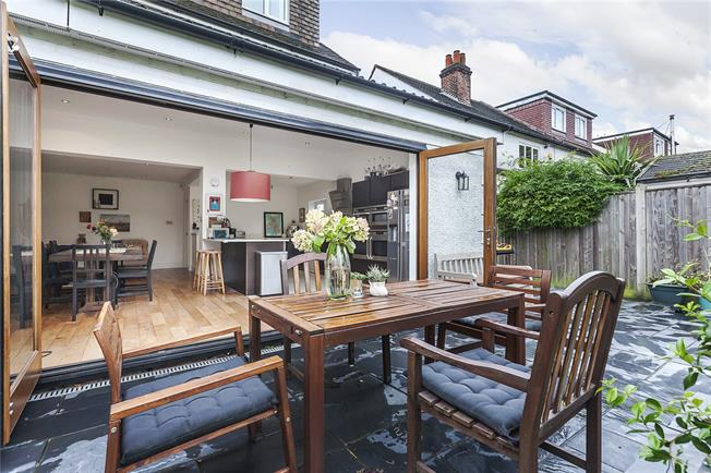 Asking Price £1,100,000, 4 Bedroom Semi Detached House For Sale in London, SE3