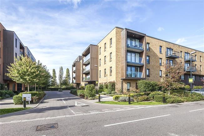 Fixed Price £500,000, 2 Bedroom Flat For Sale in London, SE9