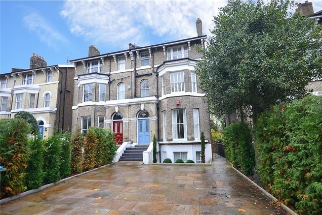 Asking Price £800,000, 4 Bedroom Flat For Sale in London, SE3