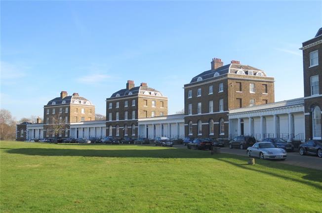 Asking Price £575,000, 1 Bedroom Flat For Sale in London, SE3