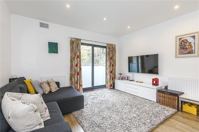 Asking Price £599,950, 3 Bedroom House For Sale in London, SE13