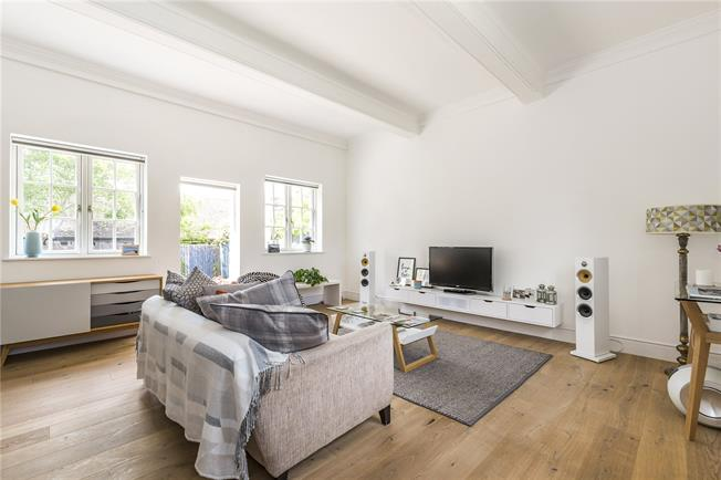 Asking Price £875,000, 2 Bedroom Detached House For Sale in London, SE3