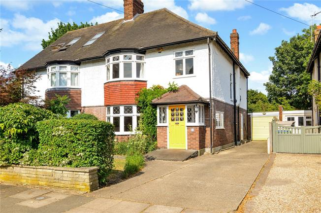 Asking Price £1,175,000, 4 Bedroom Semi Detached House For Sale in London, SE3