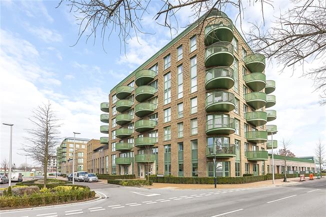 Asking Price £550,000, 2 Bedroom Flat For Sale in London, SE3