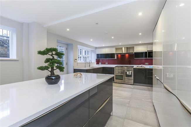 Asking Price £2,700,000, 5 Bedroom Semi Detached House For Sale in London, SE18