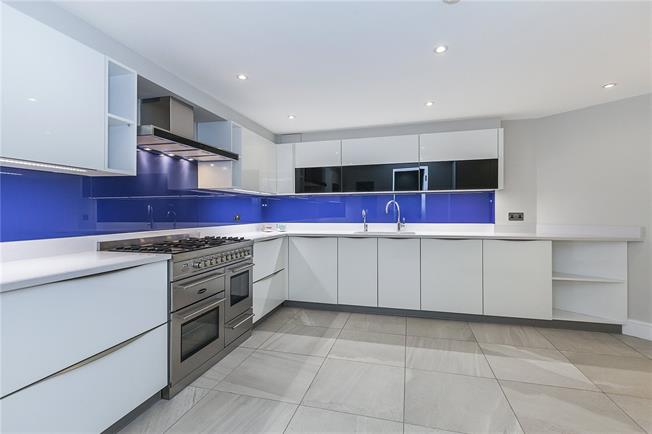 Asking Price £1,700,000, 4 Bedroom Semi Detached House For Sale in London, SE18