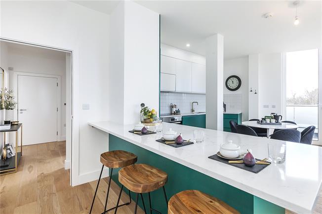 Asking Price £725,000, 3 Bedroom Flat For Sale in London, SE3