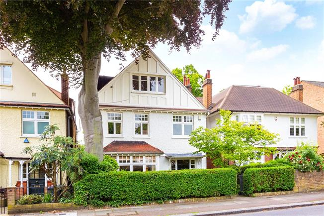 Asking Price £1,750,000, 5 Bedroom Detached House For Sale in London, SE13