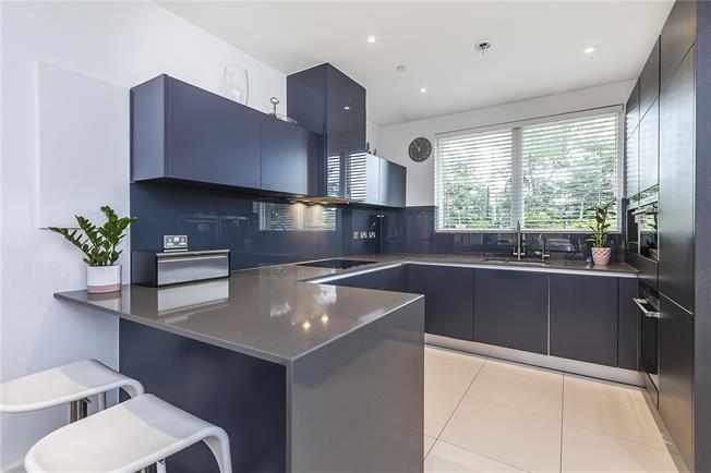 Asking Price £1,250,000, 5 Bedroom Terraced House For Sale in London, SE3