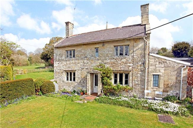Guide Price £565,000, 4 Bedroom Detached House For Sale in Chilmark, SP3