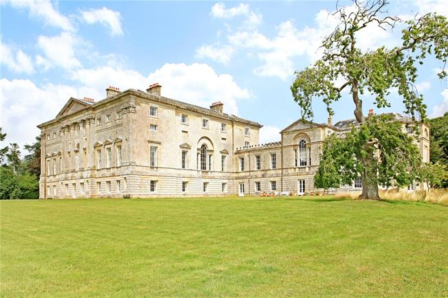 Guide Price £835,000, 5 Bedroom Flat For Sale in Wiltshire, SP3