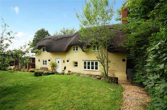 Offers in the region of £499,995, 3 Bedroom Detached House For Sale in Woodgreen, SP6