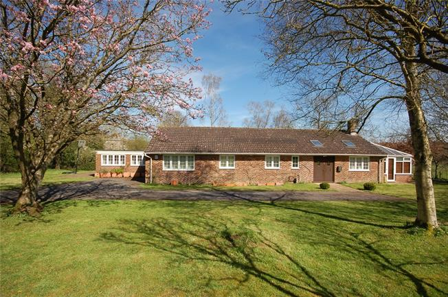 Guide Price £625,000, 4 Bedroom Bungalow For Sale in Orcheston, SP3