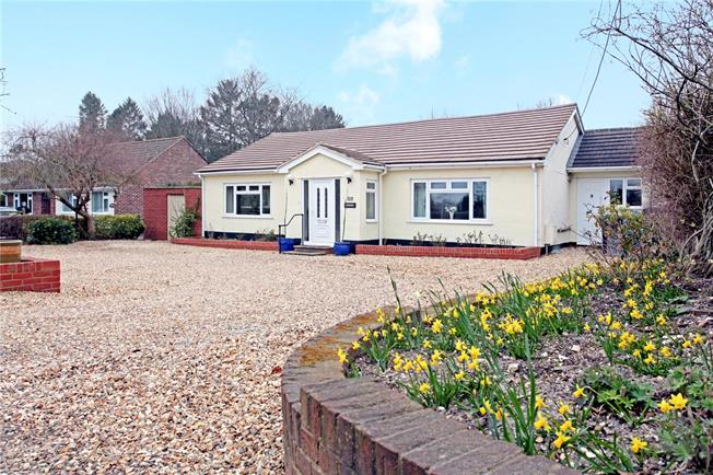 Guide Price £495,000, 4 Bedroom Bungalow For Sale in Porton, SP4