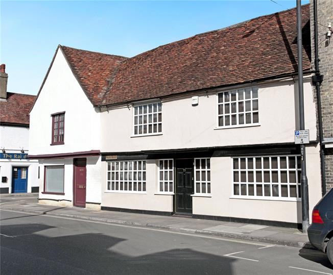 Guide Price £275,000, 4 Bedroom Terraced House For Sale in Salisbury, SP1