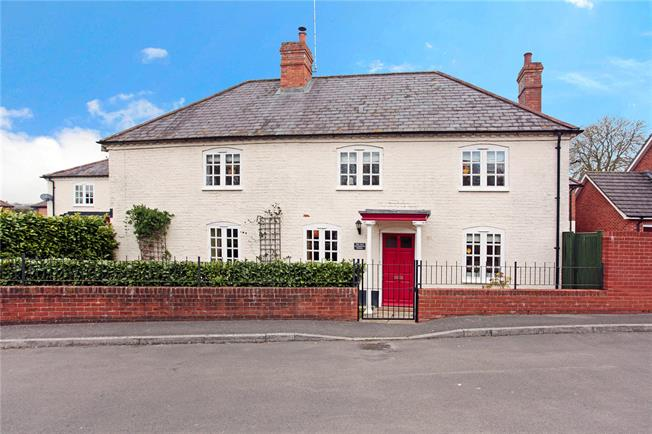 Guide Price £250,000, 3 Bedroom House For Sale in Shrewton, SP3