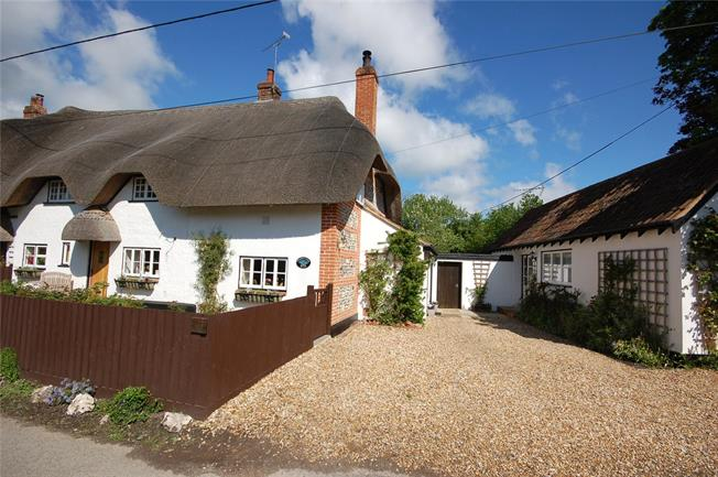 Guide Price £525,000, 4 Bedroom Semi Detached House For Sale in Figheldean, SP4