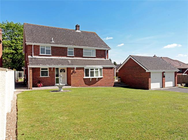 Guide Price £550,000, 4 Bedroom Detached House For Sale in Gomeldon, SP4