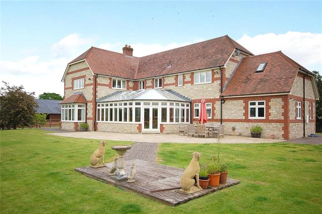 Guide Price £750,000, 5 Bedroom Detached House For Sale in Wiltshire, BA12
