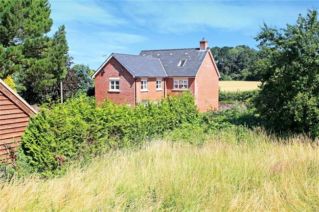 Guide Price £835,000, 5 Bedroom Detached House For Sale in Salisbury, Wiltshire, SP5