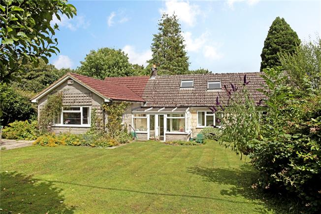 Guide Price £425,000, 4 Bedroom Bungalow For Sale in Tisbury, SP3