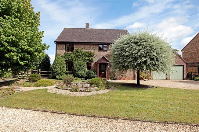 Guide Price £482,500, 4 Bedroom Detached House For Sale in Warminster, Wiltshire, BA12