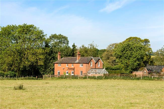 Guide Price £699,950, 4 Bedroom Detached House For Sale in Breamore, SP6