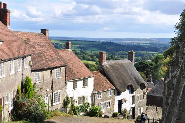 Offers in excess of £600,000, 4 Bedroom Terraced House For Sale in Shaftesbury, SP7
