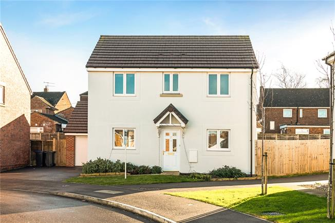 Asking Price £294,995, 3 Bedroom Detached House For Sale in Old Sarum, SP4