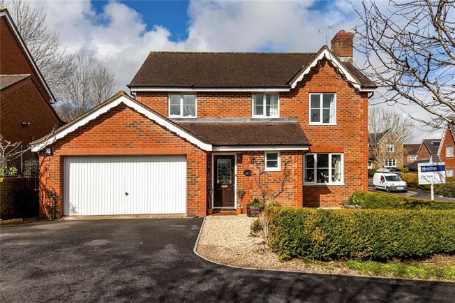 Guide Price £475,000, 4 Bedroom Detached House For Sale in Bishopdown, SP1