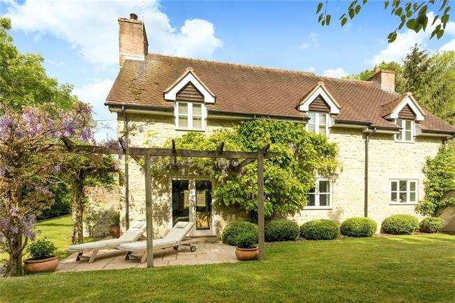 Guide Price £800,000, 4 Bedroom Detached House For Sale in Salisbury, Wiltshire, SP5