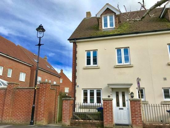 Guide Price £239,995, 3 Bedroom Terraced House For Sale in Amesbury, SP4