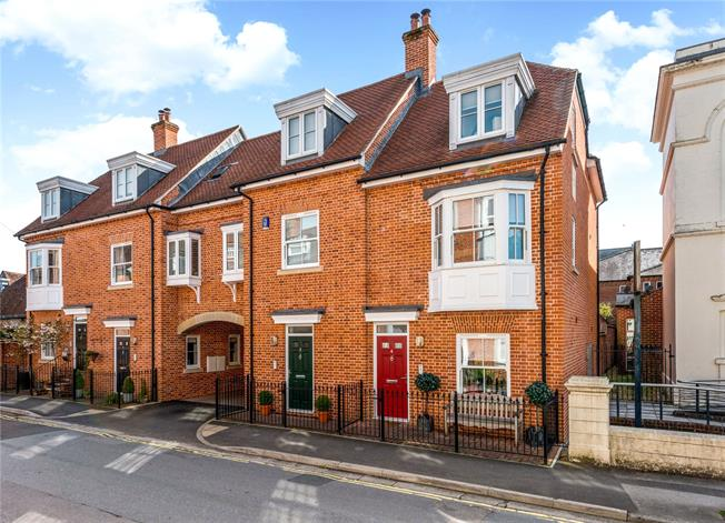 Guide Price £630,000, 3 Bedroom End of Terrace House For Sale in Salisbury, Wiltshire, SP1