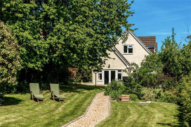 Guide Price £475,000, 4 Bedroom Detached House For Sale in Shrewton, SP3