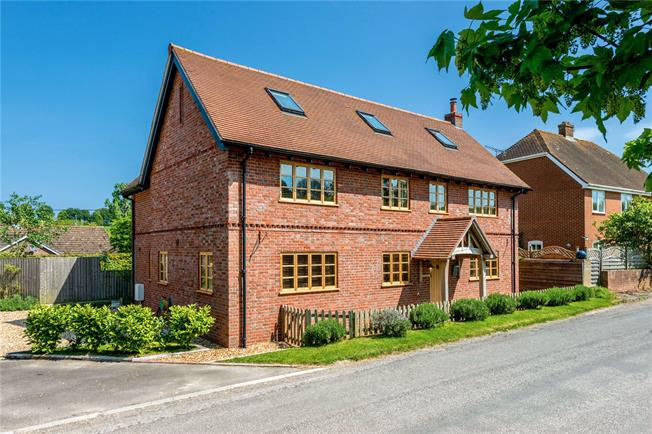 Guide Price £660,000, 4 Bedroom Detached House For Sale in Wiltshire, SP5