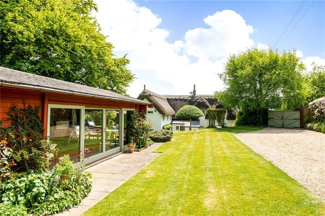 Guide Price £650,000, 4 Bedroom Detached House For Sale in Salisbury, Wiltshire, SP3