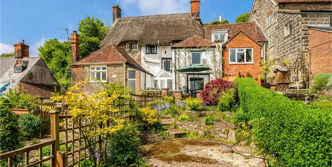 Guide Price £395,000, 3 Bedroom Terraced House For Sale in Shaftesbury, SP7