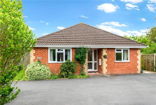 Guide Price £500,000, 4 Bedroom Bungalow For Sale in Winterbourne Gunner, SP4