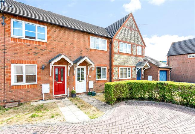 Guide Price £200,000, Terraced House For Sale in Bishopdown, SP1