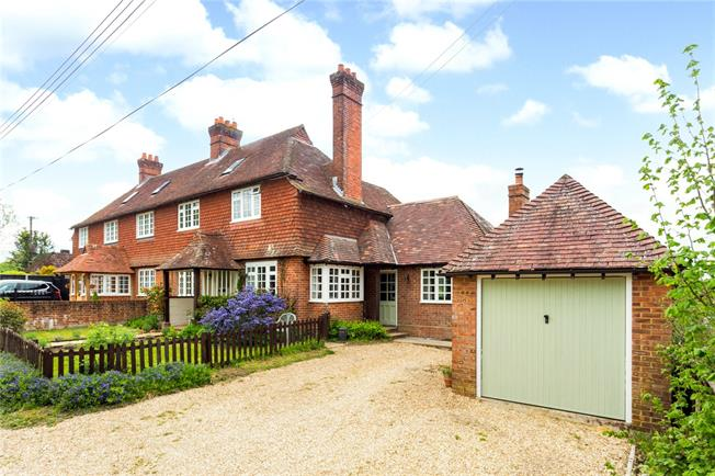 Guide Price £470,000, 4 Bedroom Semi Detached House For Sale in Sandleheath, SP6